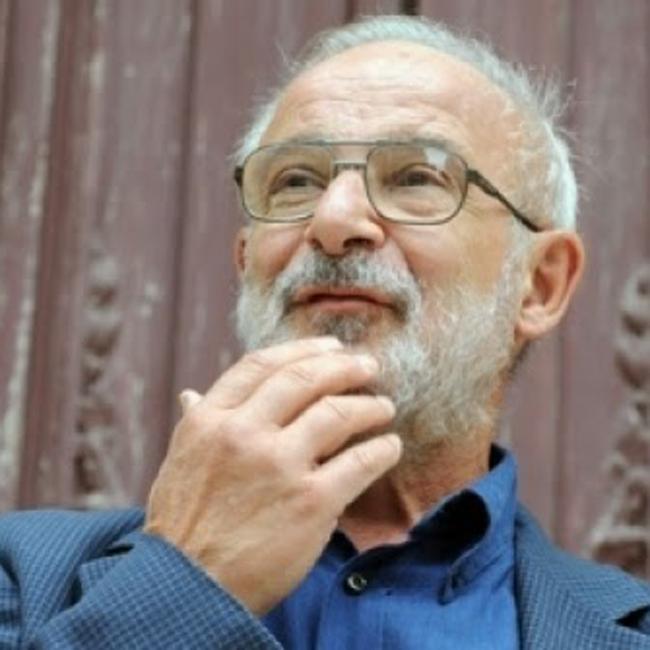 Raffaele Simone GPFF - Professore ordinario di Linguistica generale presso l'Università degli studi Roma Tre